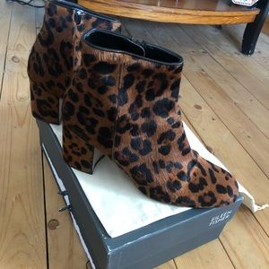 Zara Basic   booties size 40 worn a few times